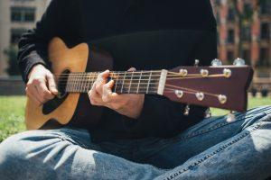 Online gitaarles volgen? De beste gitaarcursussen op een rijtje!