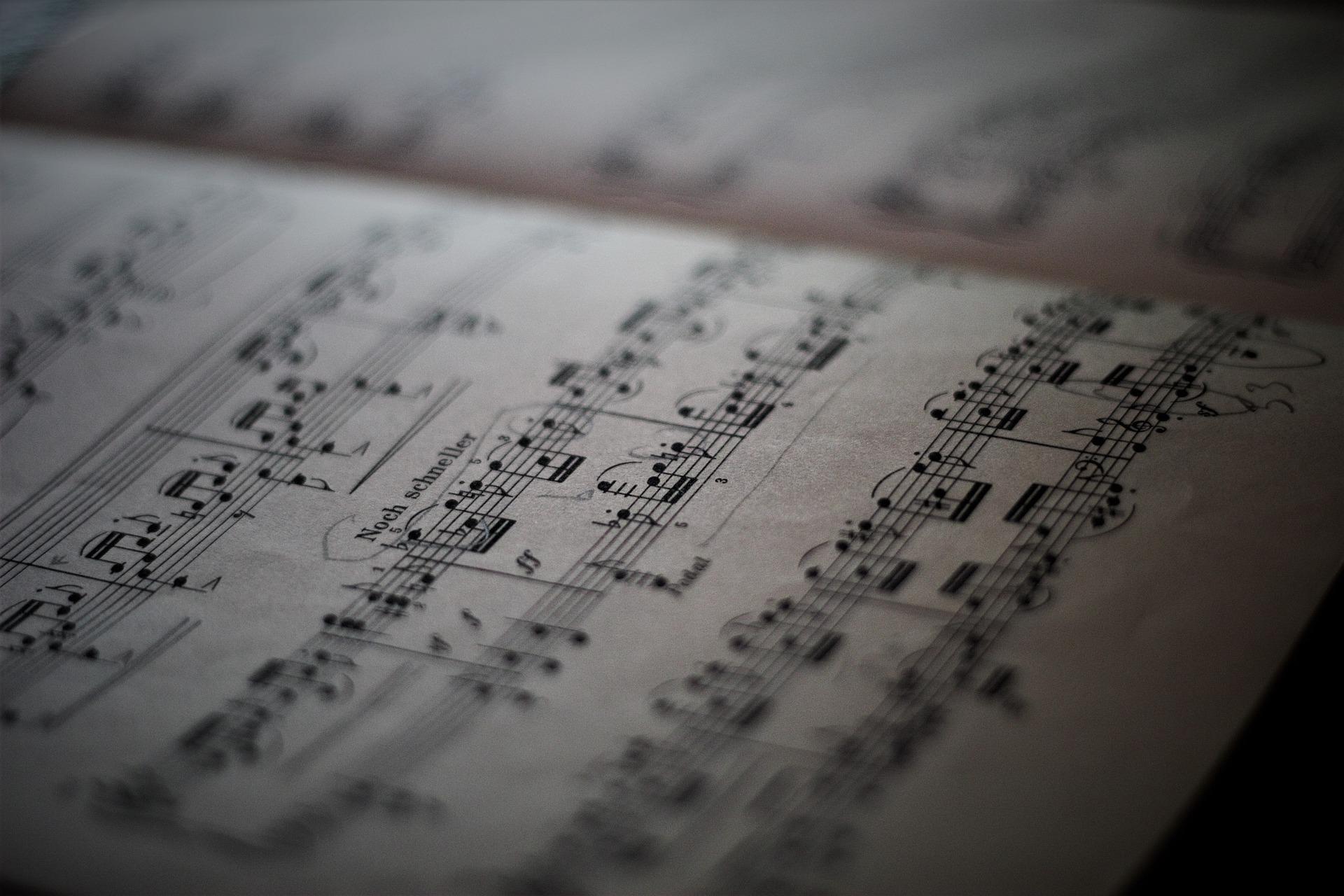 Gitaar leren spelen zonder noten? Ontdek de alternatieve methodes!