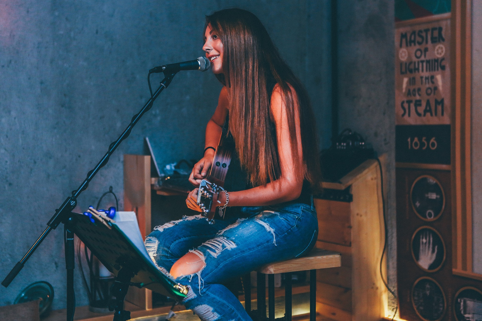 Tegelijkertijd gitaar spelen en zingen: mijn 8 stappenplan!