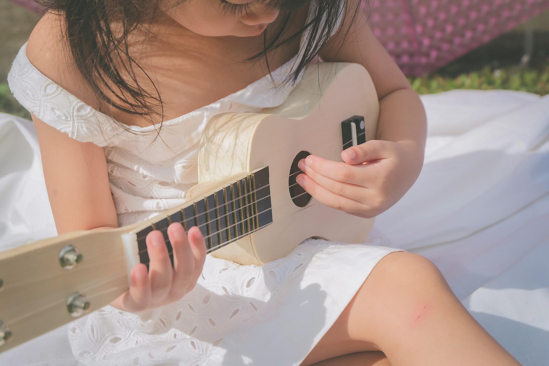 Gitaar voor je kind kopen? De meest geschikte gitaren voor je kind!
